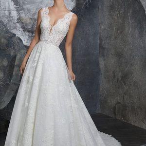 Wedding Dress Moro Lee 8208 Ivory Color